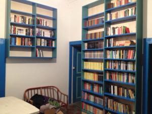 biblioteca in mezzo al mare