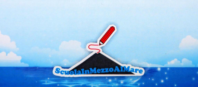 Scuola In Mezzo Al Mare – Stromboli